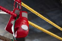 Российский боксер трагически погиб в Таиланде, упав с балкона