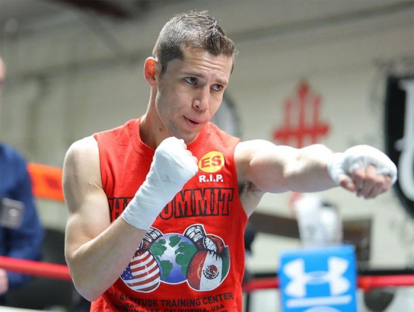 Карлос Куадрас победил Хосе Карденаса раздельным решением в ярком бою
