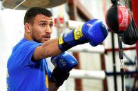 Василий Ломаченко усложнил свой трюк с гимнастическими кольцами