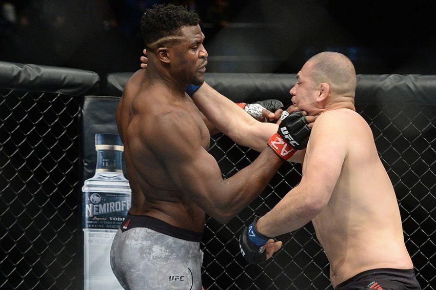Фото турнира UFC on ESPN 1: Кейн Веласкес - Фрэнсис Нганну