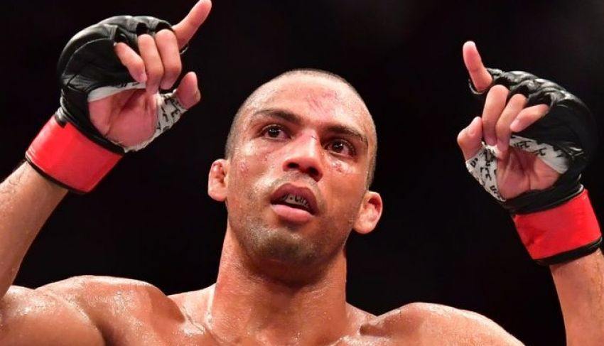 Edson Barbosa signs new contract with UFC