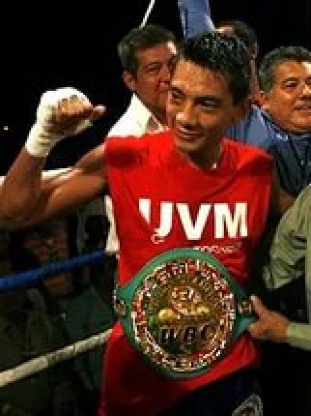 Кристиан Михарес сразится с Андресом Гутьерресом за титул WBC Silver