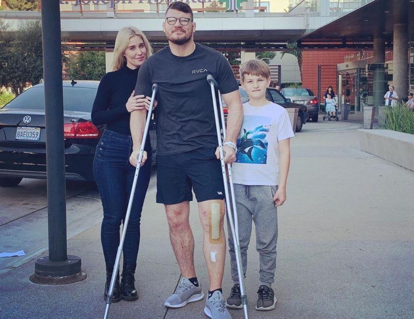 Майкл Биспинг перенес операцию по полной пересадке колена
