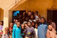 Хабиб Нурмагомедов находится в Нигерии с благотворительной миссией