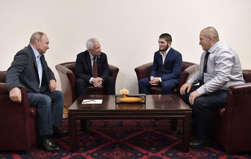 Владимир Путин поздравил Хабиба Нурмагомедова с очередной защитой титула UFC