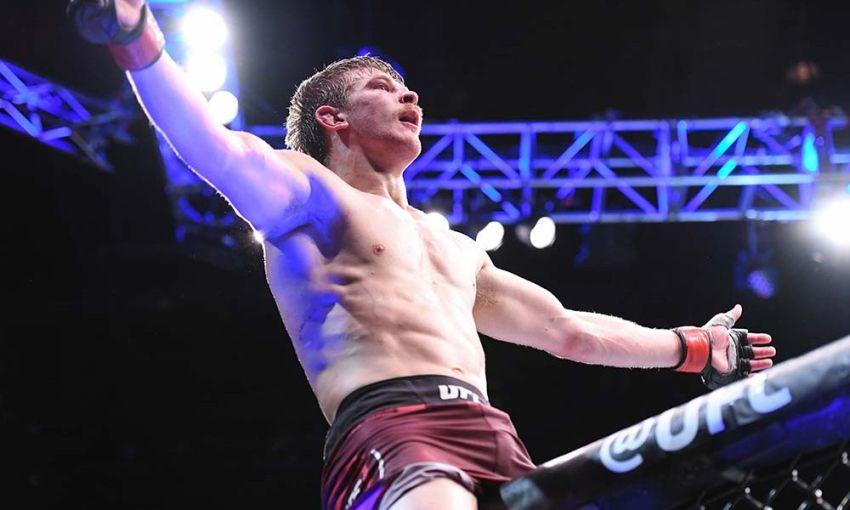 Арнольд Аллен одержал доминирующую победу над Гилбертом Мелендесом на UFC 239
