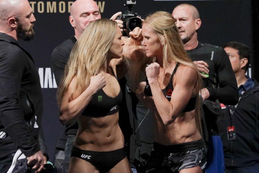 Видео: Взвешивание UFC 193 Роузи - Холм