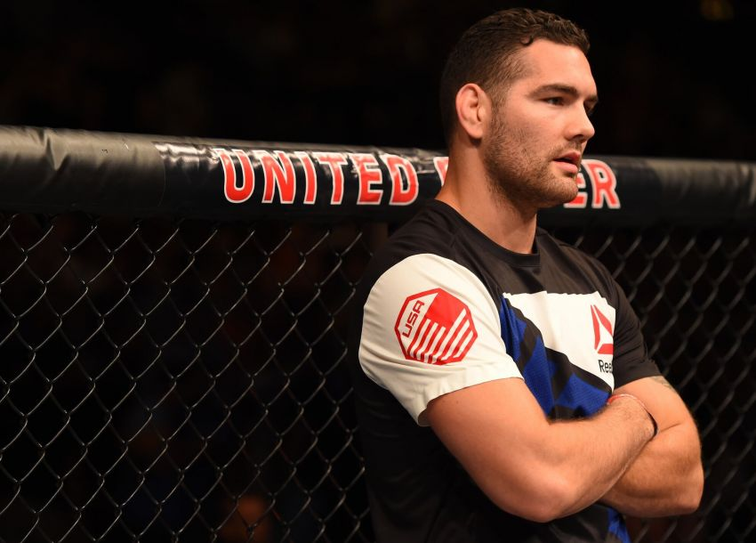 Chris Weidman returns to training after severe fracture with Uriah Hall