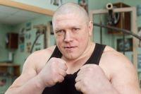 Максим Новоселов победил Алексея Гончарова, завоевав титул серебряного чемпиона Рен-ТВ в супертяжелом весе