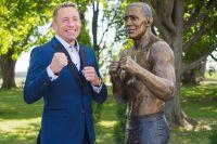 В Канаде установили памятник экс-чемпиону UFC Джорджу Сент-Пьеру