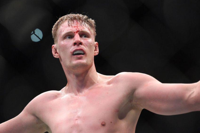 Александр Волков и Алистар Оверим могут возглавить турнир UFC в Москве