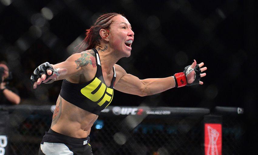 Крис Сайборг одолела Фелисию Спенсер в непростом поединке на UFC 240