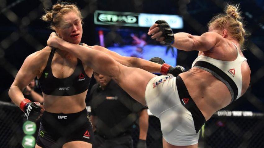 Джо Роган рассказал, каким образом Ронда Роузи могла более лучше себя проявить в последних боях