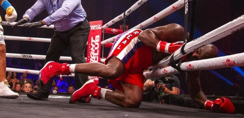 Boxing news: Daniel Cormier shared his impressions of the Holyfield-Belfort boxing match.