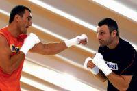 Олег Маскаев рассказал, кто победил бы в бою между Виталием и Владимиром Кличко
