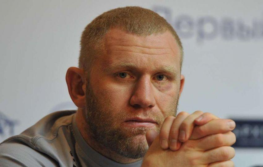 """Камил Гаджиев не верит, что Харитонов готов подраться с Емельяненко на """"адекватных"""" условиях"""