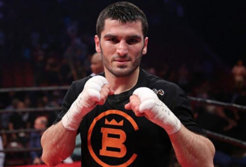 Артур Бетербиев остановил Радивойе Каладжича в пятом раунде