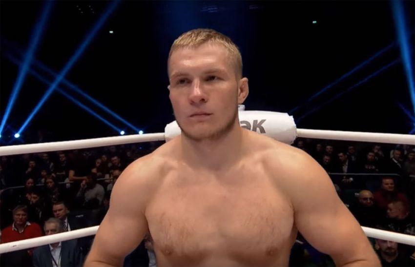 Артем Фролов заменит Омари Ахмедова на турнире UFC в Москве