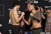 Видео боя Чейс Хупер - Стивен Петерсон UFC 263