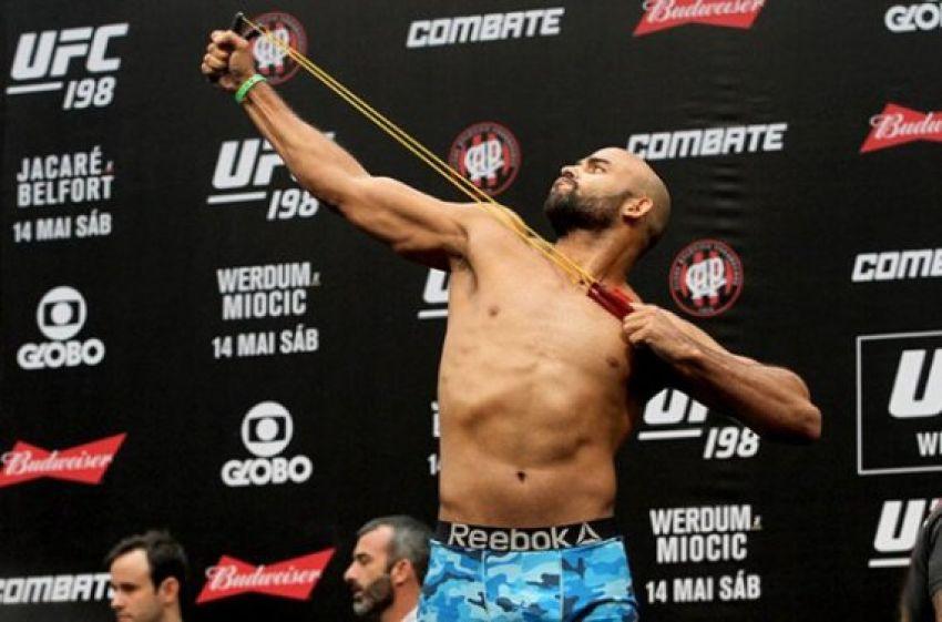 Видео боя Уорли Алвес - Султан Алиев UFC 224