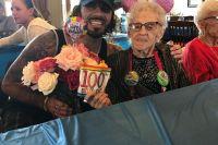 Бабушке Клэя Гуиды исполнилось 100 лет