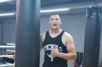 Определился соперник казахстанского супертяжеловеса по дебютному бою в США