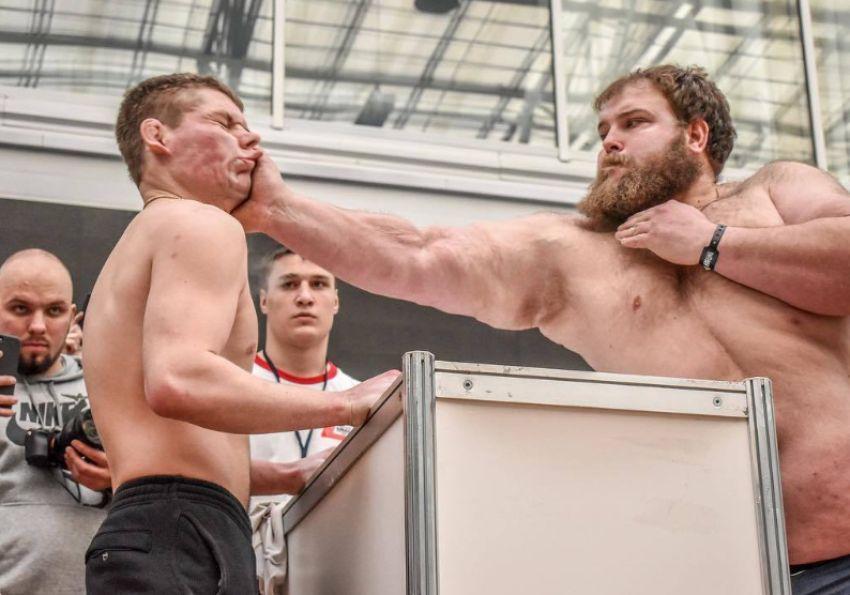 """Чемпион по пощечинам """"Пельмень"""" принял вызов американского блогера Логана Пола"""