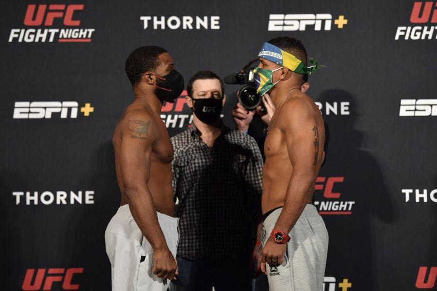 Церемония взвешивания и битвы взглядов перед UFC on ESPN 9: Тайрон Вудли - Гилберт Бернс