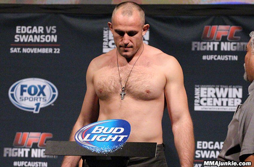 Алексей Олейник может выступить на ноябрьском турнире UFC в Москве