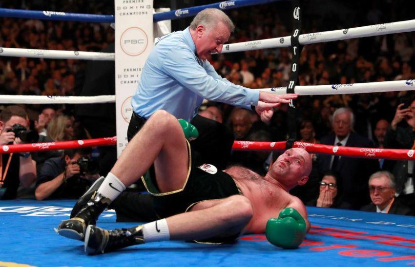 """Тайсон Фьюри о нокдауне в бою с Уайлдером: """"После таких ударов люди иногда не просыпаются"""""""