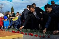 Геннадий Головкин возложил цветы к Вечном огню в Сочи