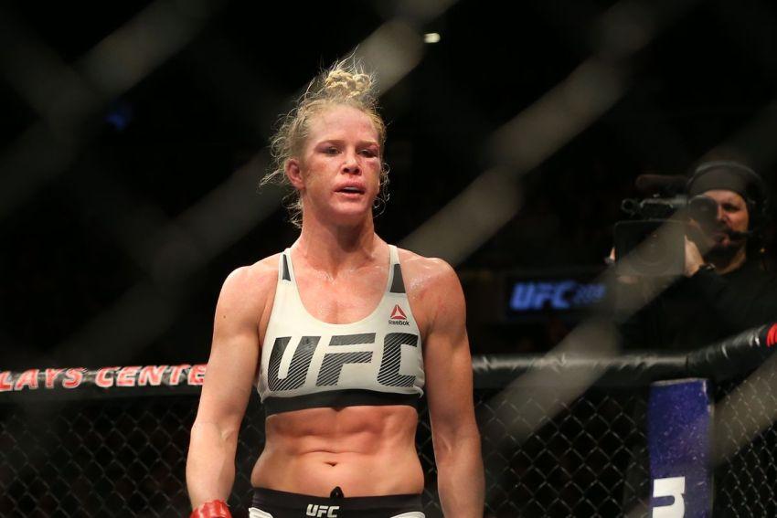 Холли Холм получила травму и не сможет выступить на турнире UFC 243
