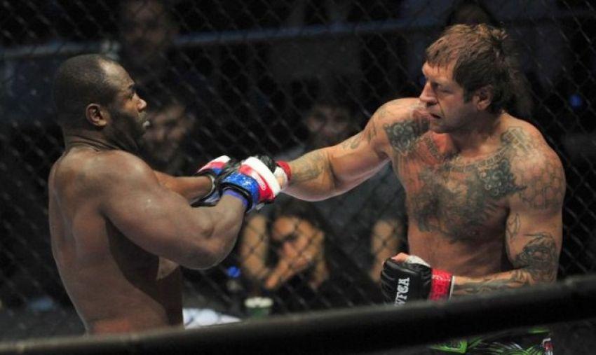"""Виталий Минаков: """"В UFC Александру дали бы добить Мондрагона"""""""