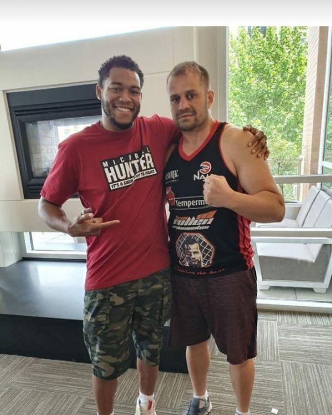 Боец MMA, боксёр Фабио Мальдонадо вспоминает свой бой с Майклом Хантером