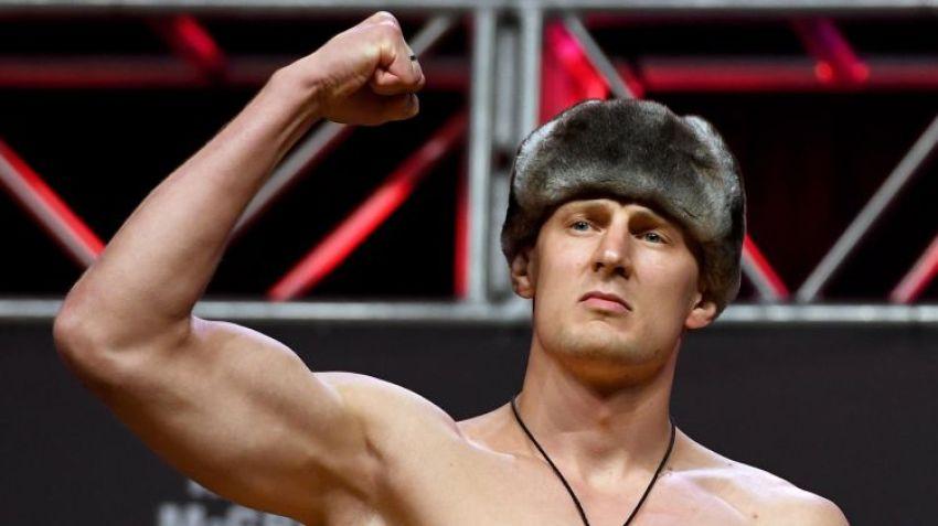 Александр Волков похвастался своим новым пистолетом Макарова