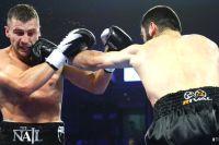 Артур Бетербиев забил Александра Гвоздика в десятом раунде, став объединенным чемпионом мира