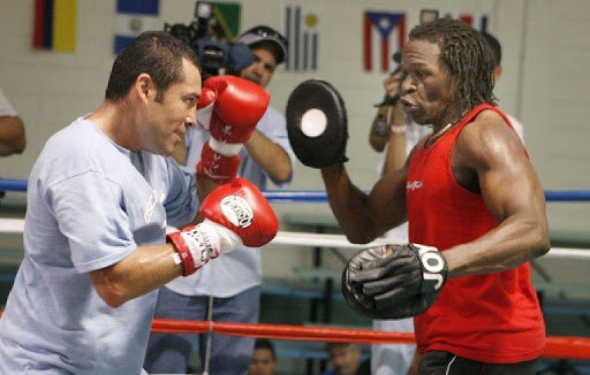 Оскар Де Ла Хойя хочет готовиться к возвращению на ринг под руководством Флойда Мейвезера-старшего