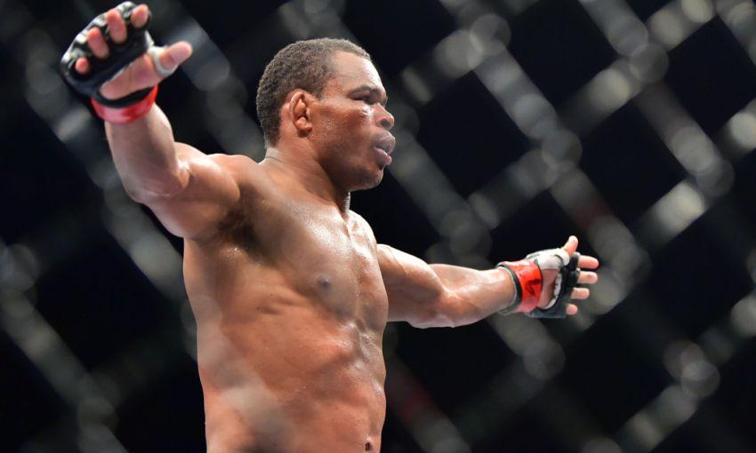 Франсиско Тринальдо бросил вызов Эдсону Барбозе после победы на UFC on ESPN+ 22