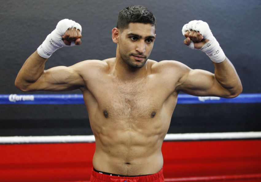 Амир Хан объявил, что 8 ноября будет драться с Мэнни Пакьяо в Саудовской Аравии