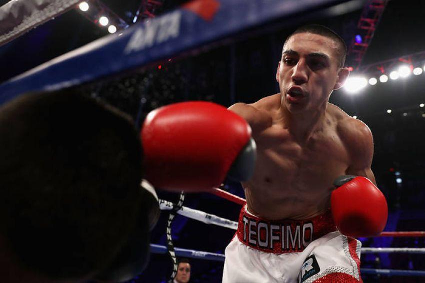 Теофимо Лопес ответил критикам, которые обвиняют его в нежелании драться с высокими боксерами