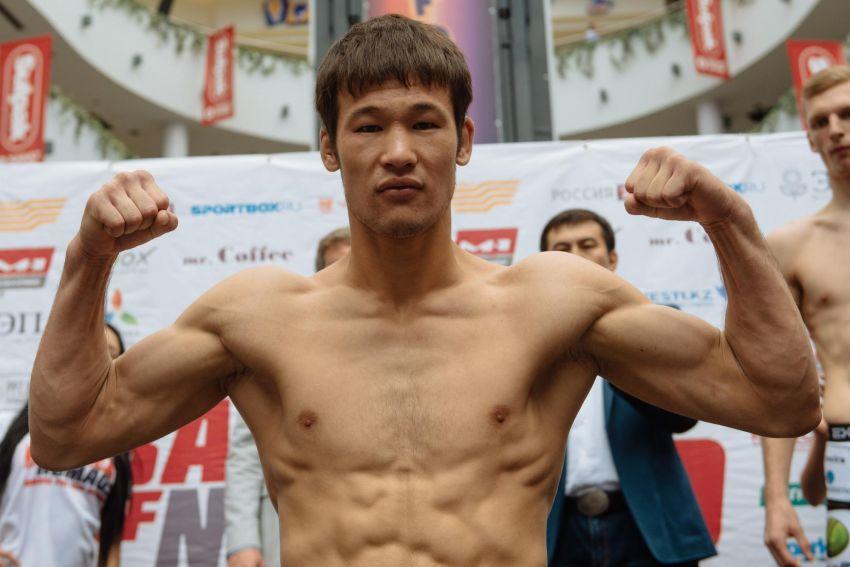 В UFC впервые подписан боец из Казахстана