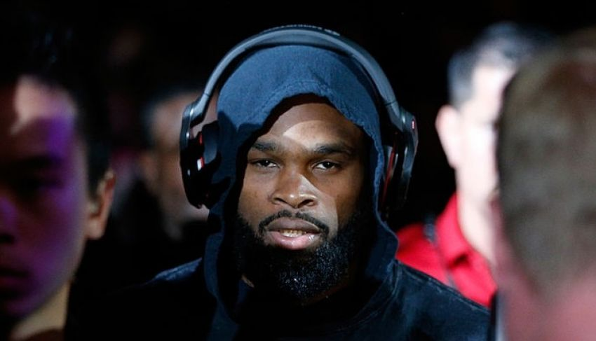 Tyron Woodley is about to knock out Covington hard