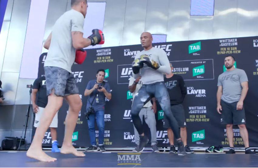 Открытые тренировки главных участников турнира UFC 234