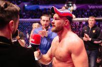 Дмитрий Бикрев финишировал Александра Янковича на турнире Fight Nights Global в Москве