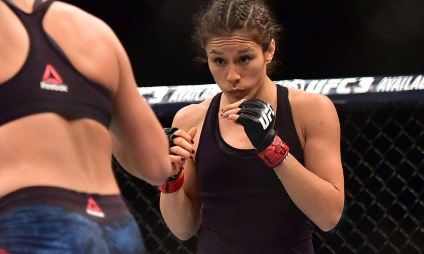 Алекса Грассо одолела Каролину Ковалькевич в ярком поединке на UFC 238