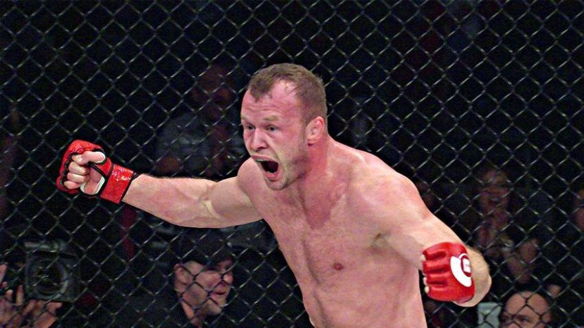 Александр Шлеменко признался, что в прошлом году ему предлагали фриковый бой