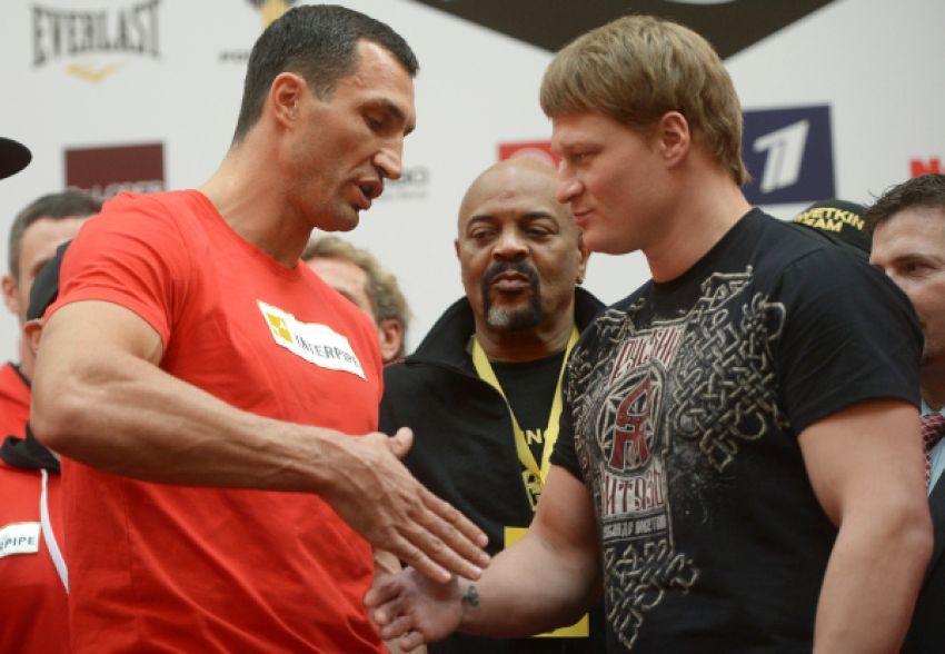 Егор Мехонцев: А вообще – вот Александр Поветкин хочет провести бой в конце июня, почему бы Кличко не приехать и с ним не подраться теперь