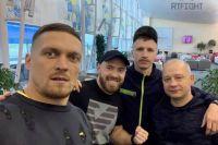 Александр Усик отправился в США на подготовку к следующему поединку