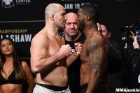 Видео боя Гловер Тейшейра - Карл Роберсон UFC Fight Night 143