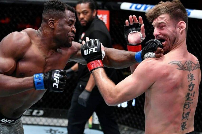 Фрэнсис Нганну брутально нокаутировал Стипе Миочича на UFC 260, став новым чемпионом тяжелого веса